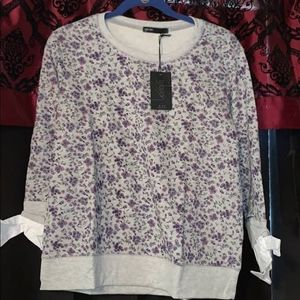 Pullover with poplin sleeves